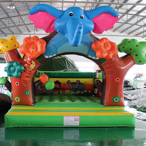 Huepfburg Elefant klein mieten muenchen1
